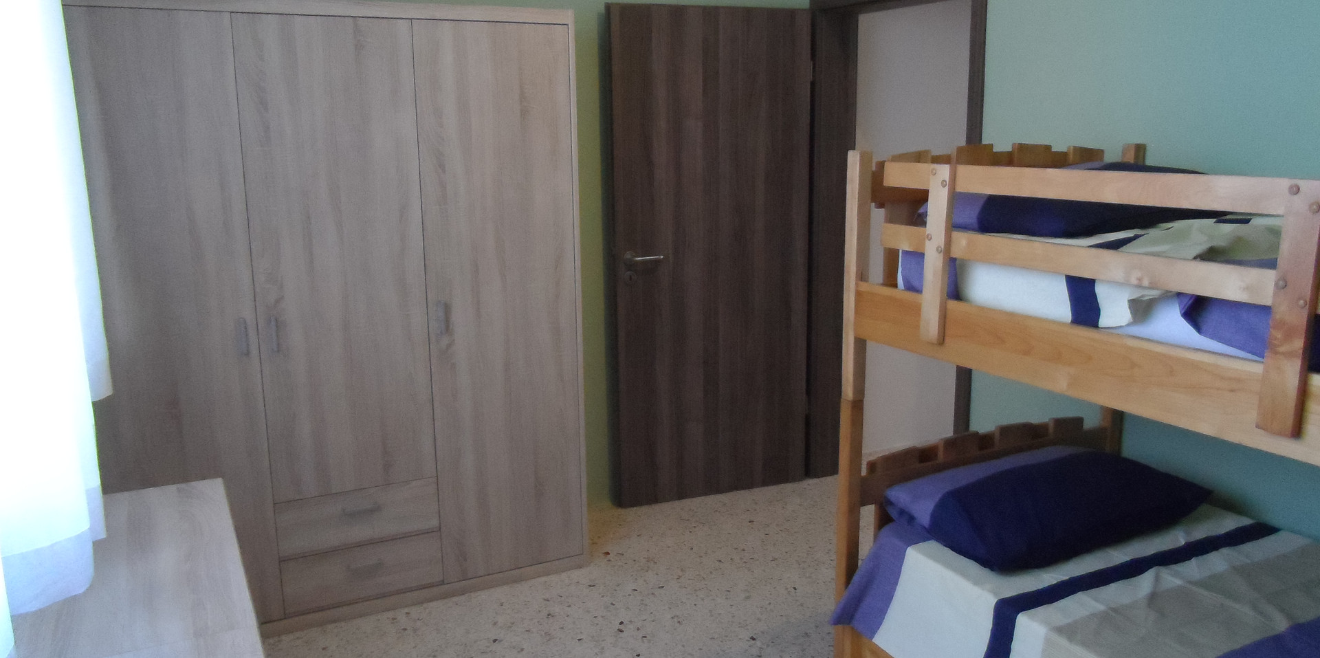 25 - Children Bedroom 3.JPG
