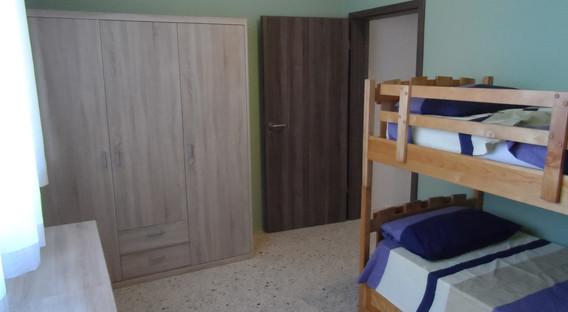 25 - Children Bedroom 3.JPG