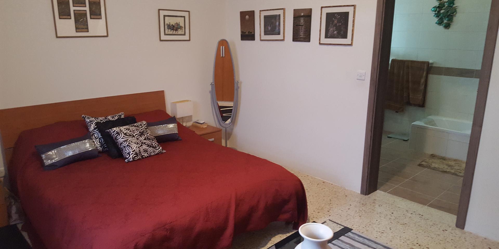 20 - Master Bedroom 2a.jpg