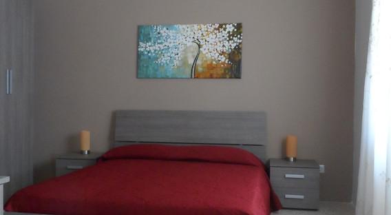 15 - Guest Bedroom 1.JPG