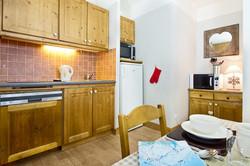 kitchen (800x533).jpg