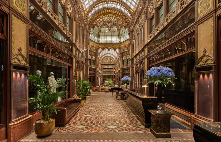 Parisi-Udvar-Hotel-Budapest-Lobby.jpg