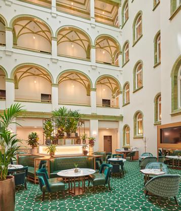 Parisi-Udvar-Hotel-Budapest-Club-Lounge.