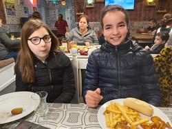 إلى المطعم (3)