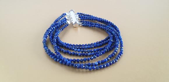 Manchette lapis-lazuli et argent. Atelier Sôma. Outils de lithothérapie, bijoux made in france fabriqués à la main.