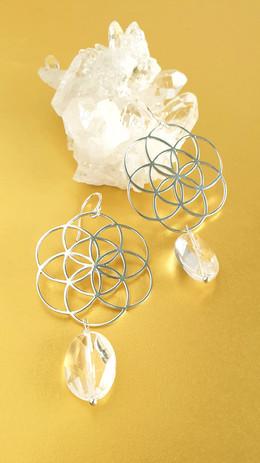 Boucles d'oreilles cristal de roche et argent. Atelier Sôma. Outils de lithothérapie, bijoux made in france fabriqués à la main.