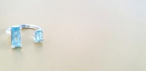Bague aigue-marine et argent. Atelier Sôma. Outils de lithothérapie, bijoux made in france fabriqués à la main.