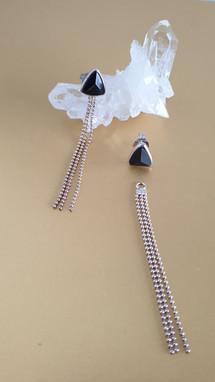 Boucles d'oreilles tourmaline noire et argent. Atelier Sôma. Outils de lithothérapie, bijoux made in france fabriqués à la main.
