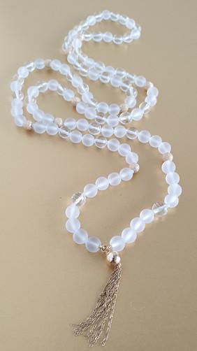 Mala cristal de roche. Atelier Sôma. Outils de lithothérapie, bijoux made in france fabriqués à la main.