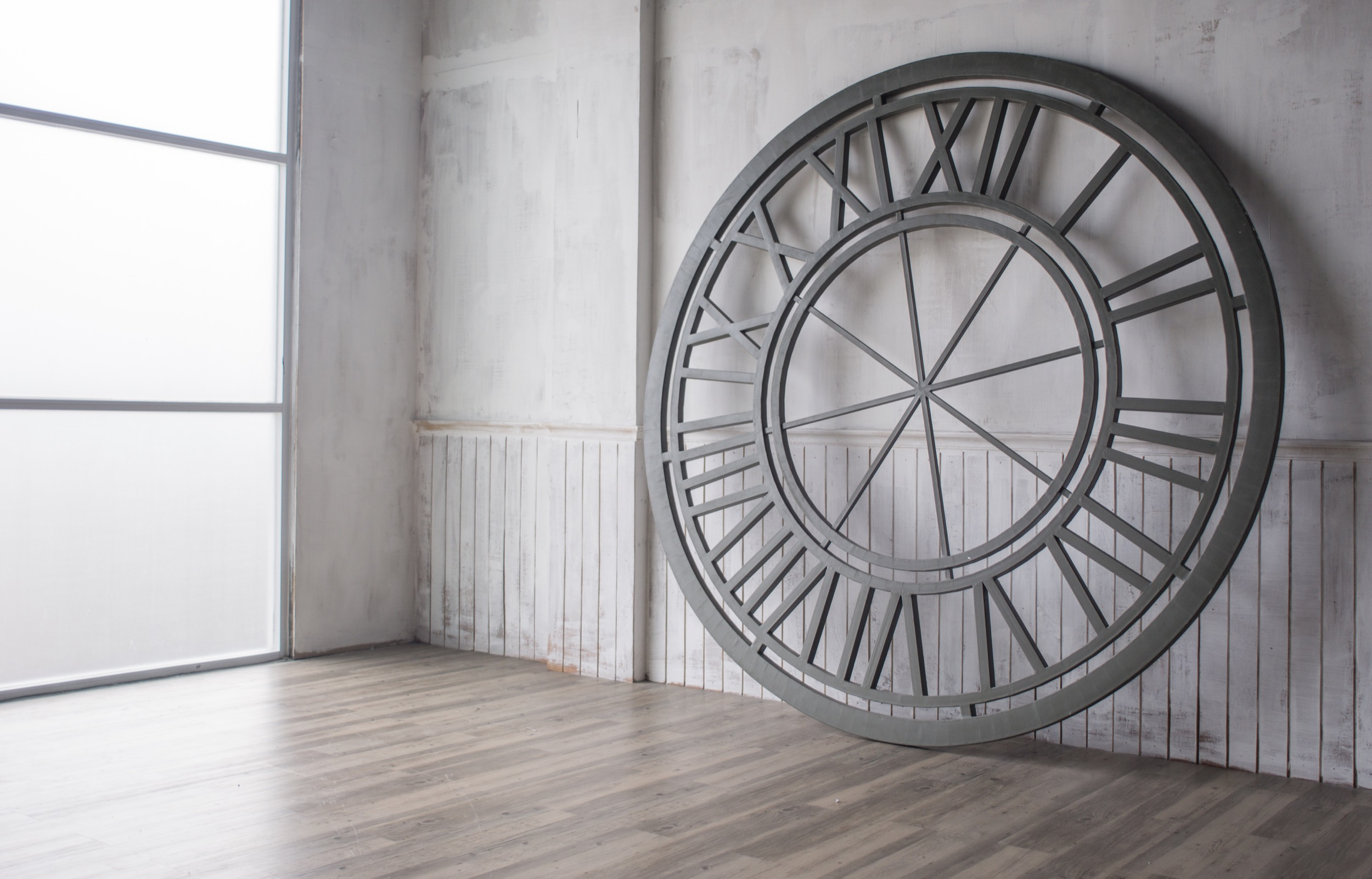 "3rd floor ""round clock"""
