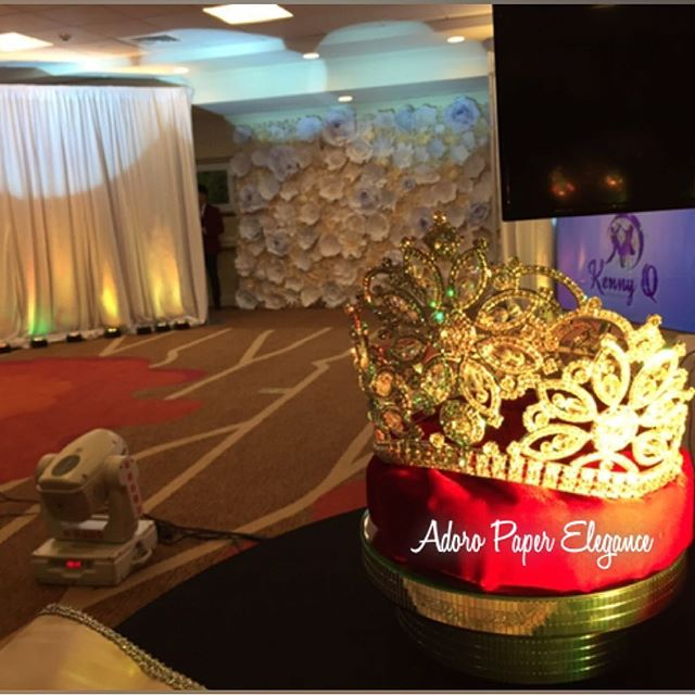 Beautiful backdrop to the Quinceañera Expo 2016 yesterday presented by Alonso Maximo _latinbeatsquin