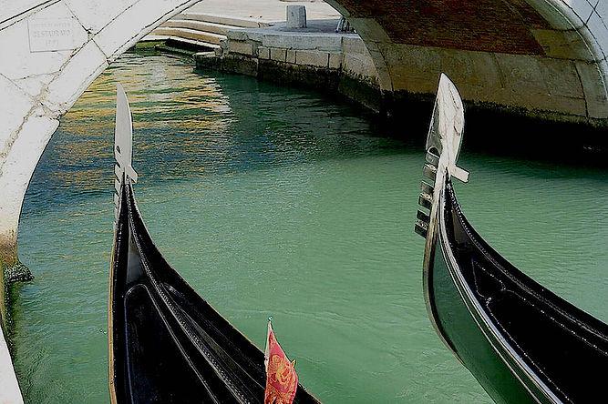 GondolaProws.jpg