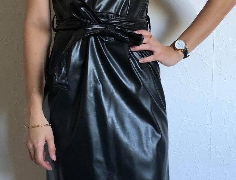 Robe noire similicuir