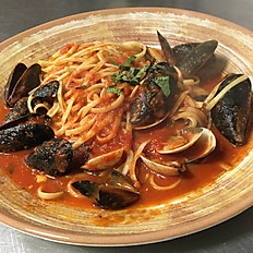 Linguini with Clams & Mussels