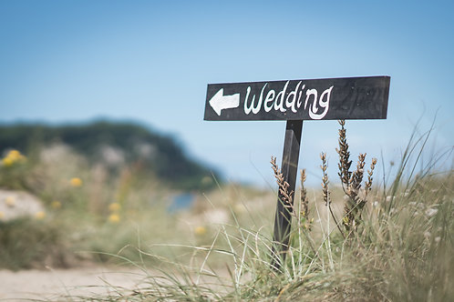 Sign Wedding (Black Background)