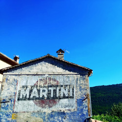 martini-wall