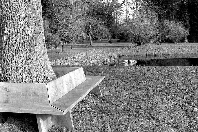 PL Outdoor bench to fit in with existing Dew Pond in English.TIF