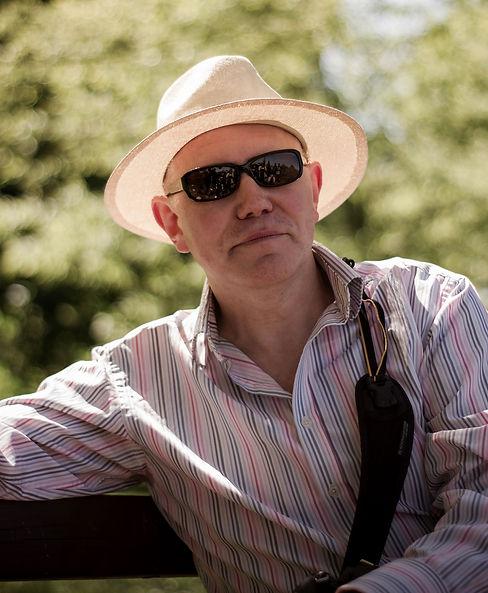 Clive Portrait_010_051419.jpg