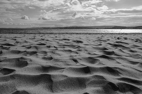 Sand and Sea: an experiment in black and white photography by Stephanie Darkes