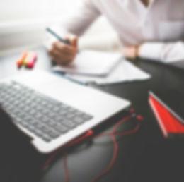 A-redatora_sua-empresa-precisa-de-blog-.