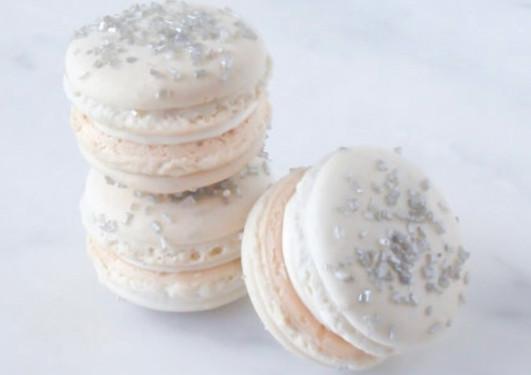 Silver Holiday Macarons.jpg