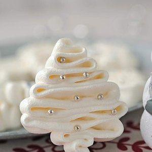 Ribbon Christmas Tree Meringue.JPG