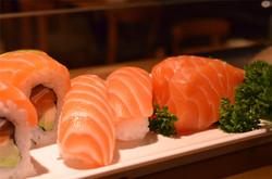 nigiri salmon & sashimi salmon.jpg