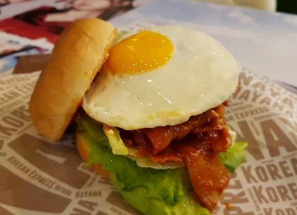 매운삼겹살 버거 Spicy Samgyupsal Burger 烤猪肉汉堡