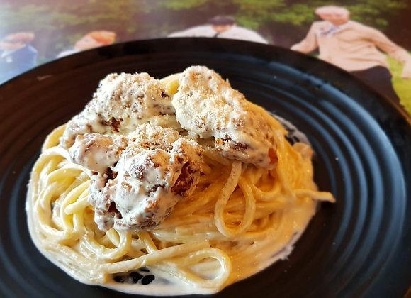 카보나라 후라이드치킨 파스타 Carbonara Fried Chicken Pasta 培根蛋炸鸡意面