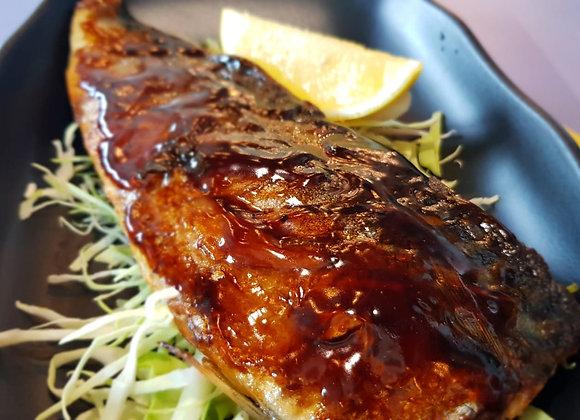 고등어 튀김 Teriyaki Saba Fish 铁板萨巴鱼