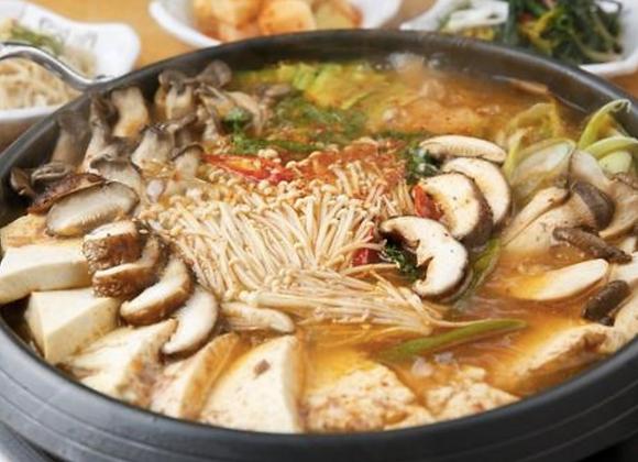 버섯 전골 Mushroom Jeongol 蘑菇炖汤