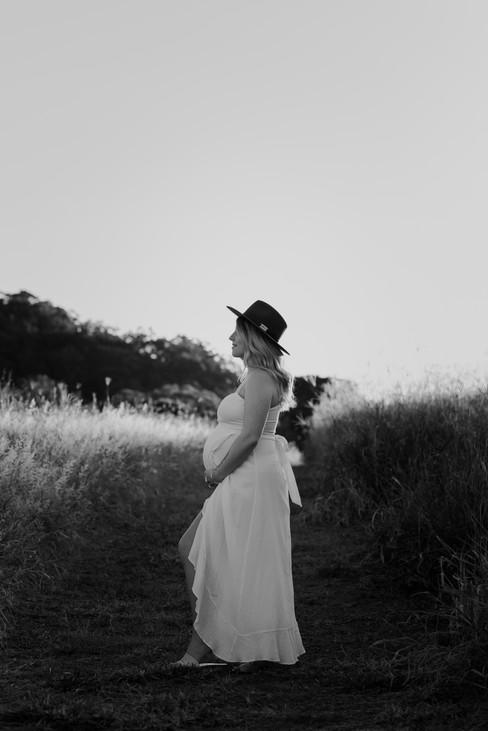 Kellie's Maternity-083.jpg