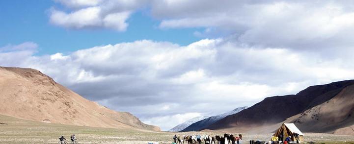 Ladakh snowlion expedtions cycling.jpg