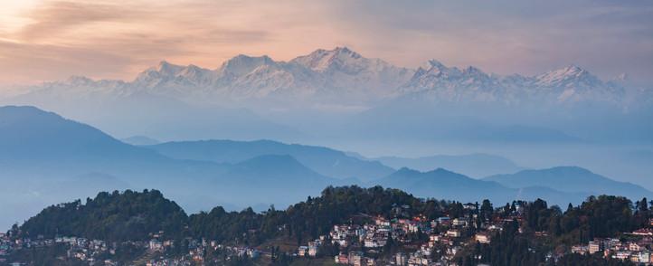Darjeeling kanchanchunga range Snowlion