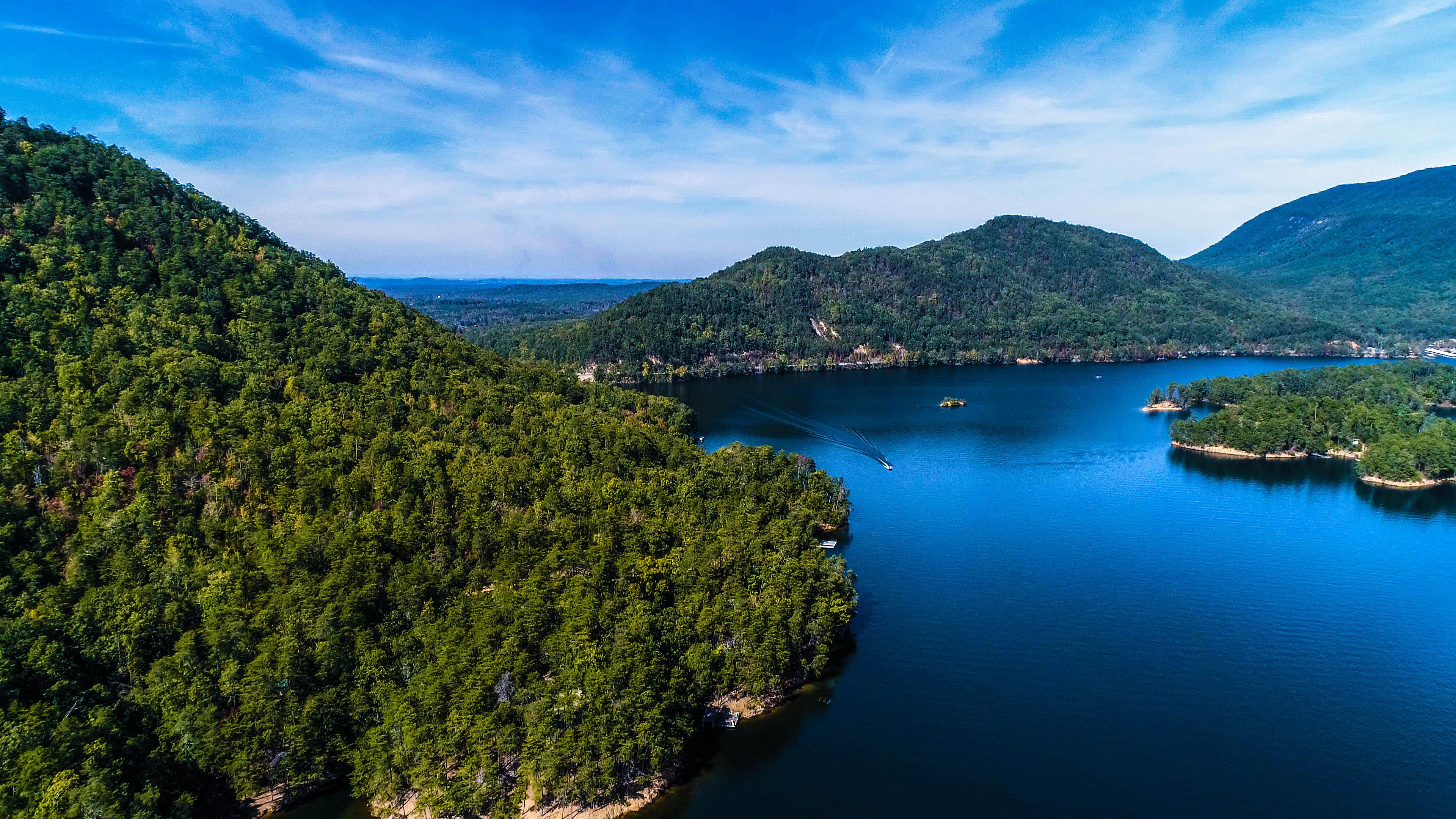 Parksville Lake Landscape