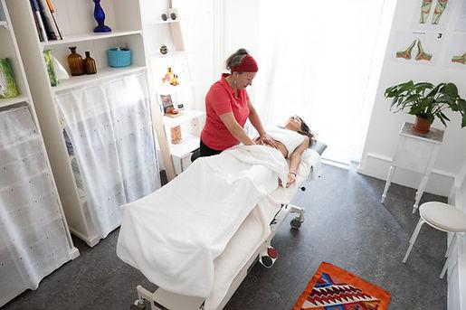 Steffi-Massage-19.jpg