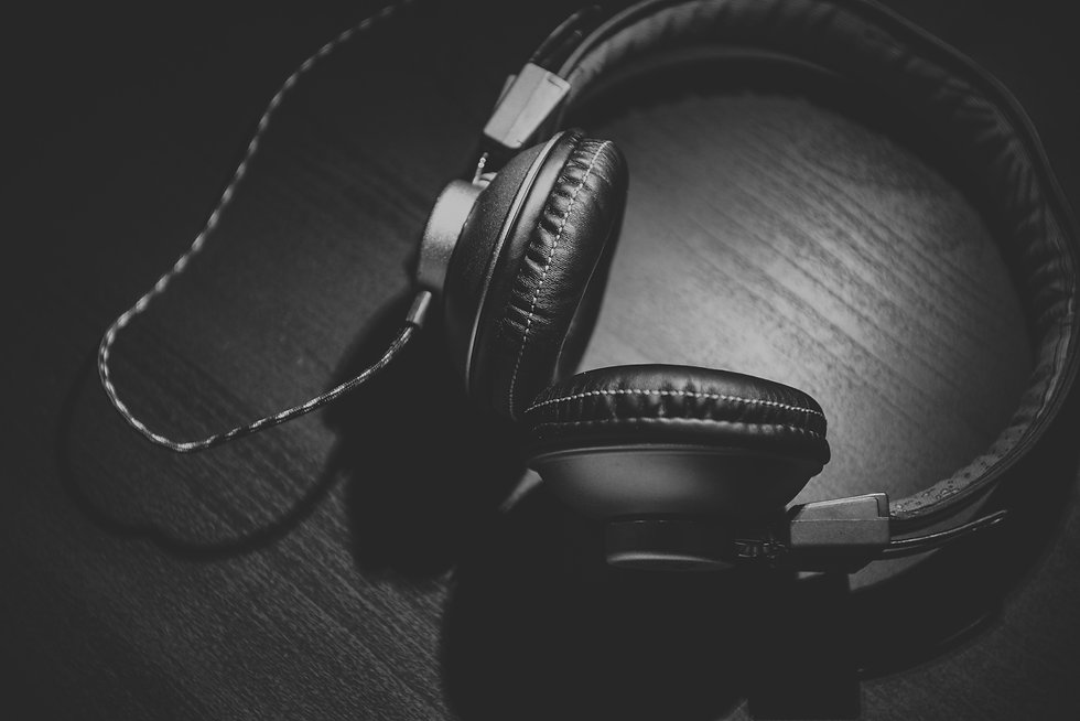 music-black-and-white-technology-gadget-