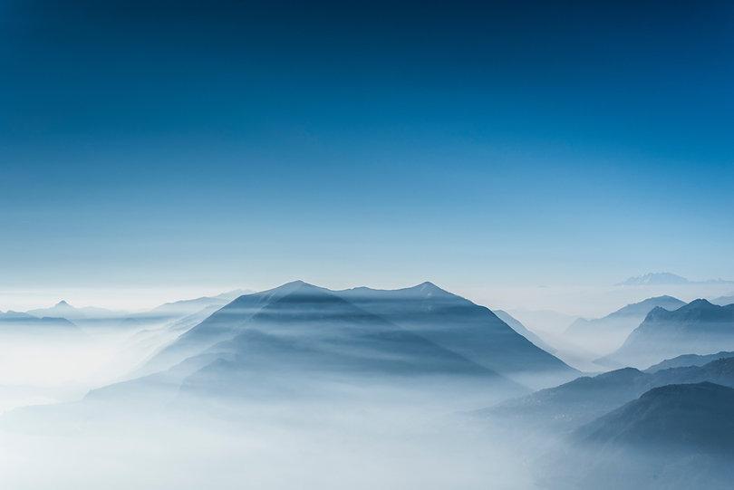 Montanhas nas nuvens