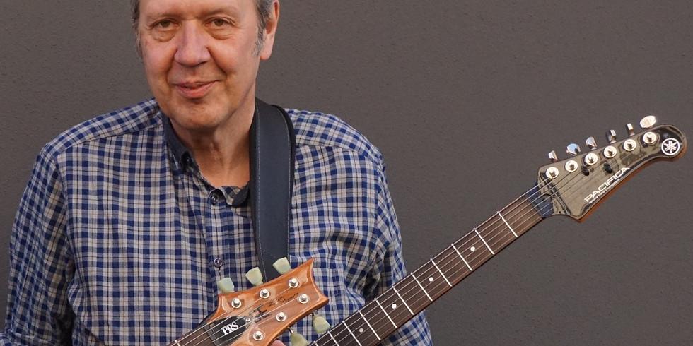 Peter Wolterstorff - unbegleitete Solo-Gitarre, am 04.05.2019 im Walhalla im Exil