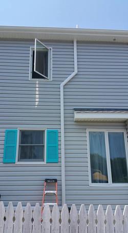 Slim duct refrigerant line covering