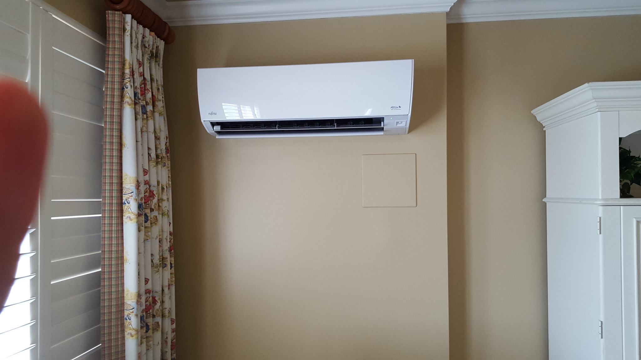 Installation of fujitsu mini split wall hung unit