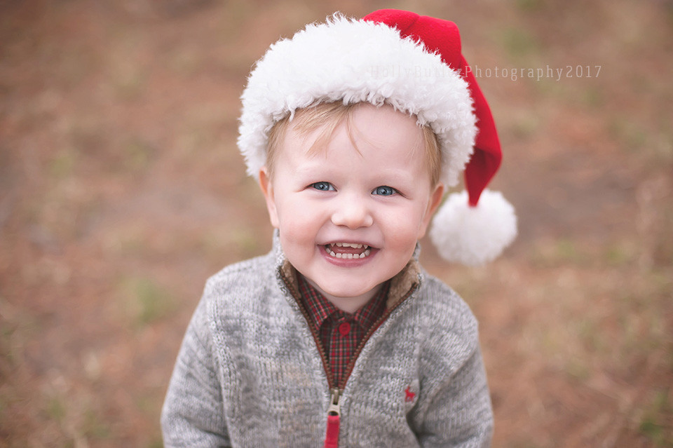 Vintage Truck Christmas Sessions | Holly Butler Photography