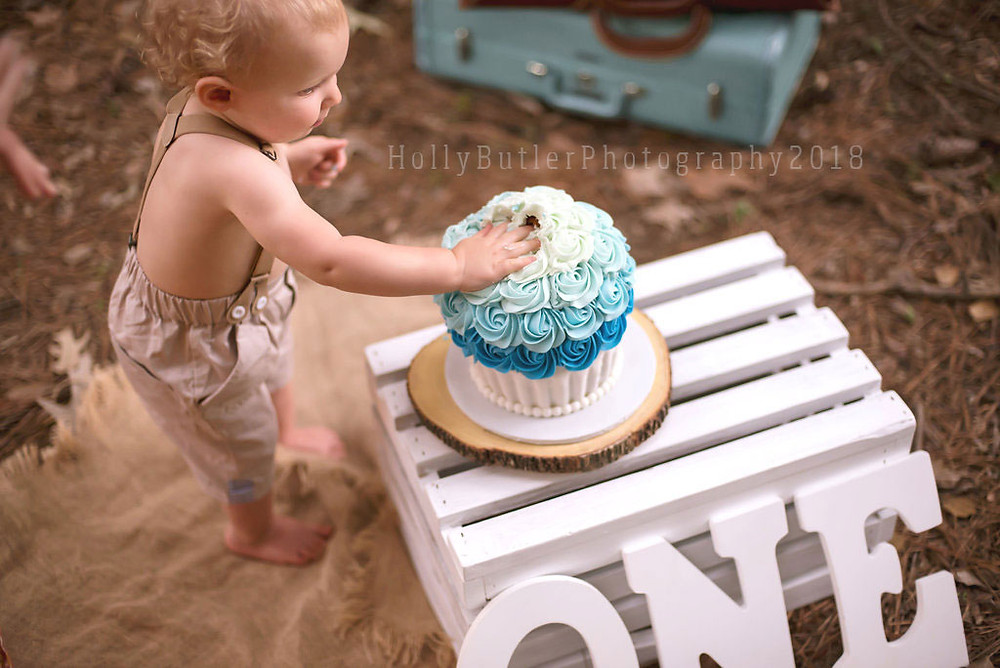 Cake Smash + Family | Holly Butler Photography