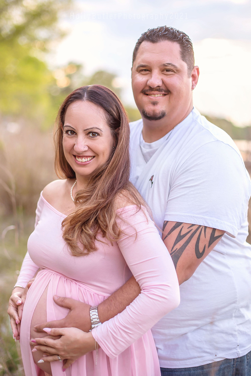Spring Sessions on the Beach | Maternity | Holly Butler Photography