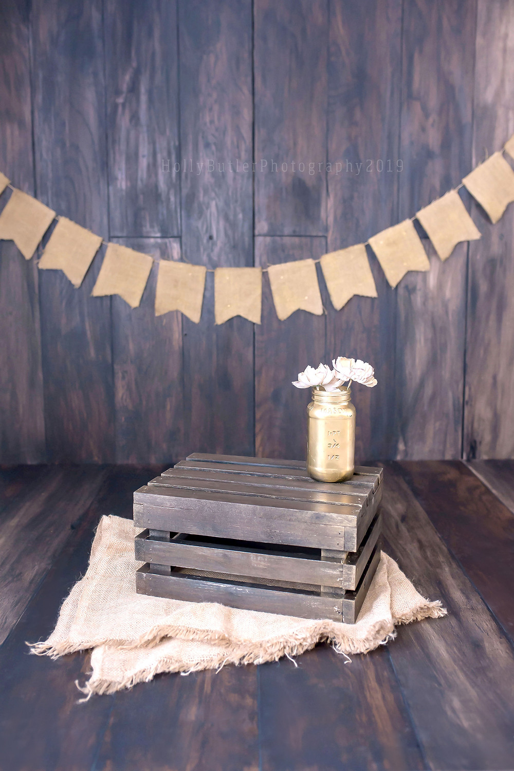 DIY Laminate Wooden Backdrop With Reduced Shine | Holly Butler Photography