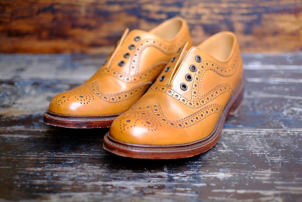Model Ashby_Dandy Shoe Care_2