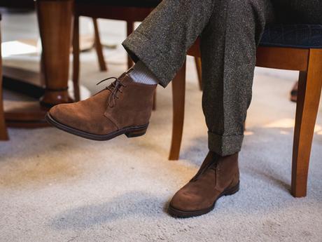 Klasyczna jesień i zima, czyli wszystko o legendarnych Chukka i Desert Boots