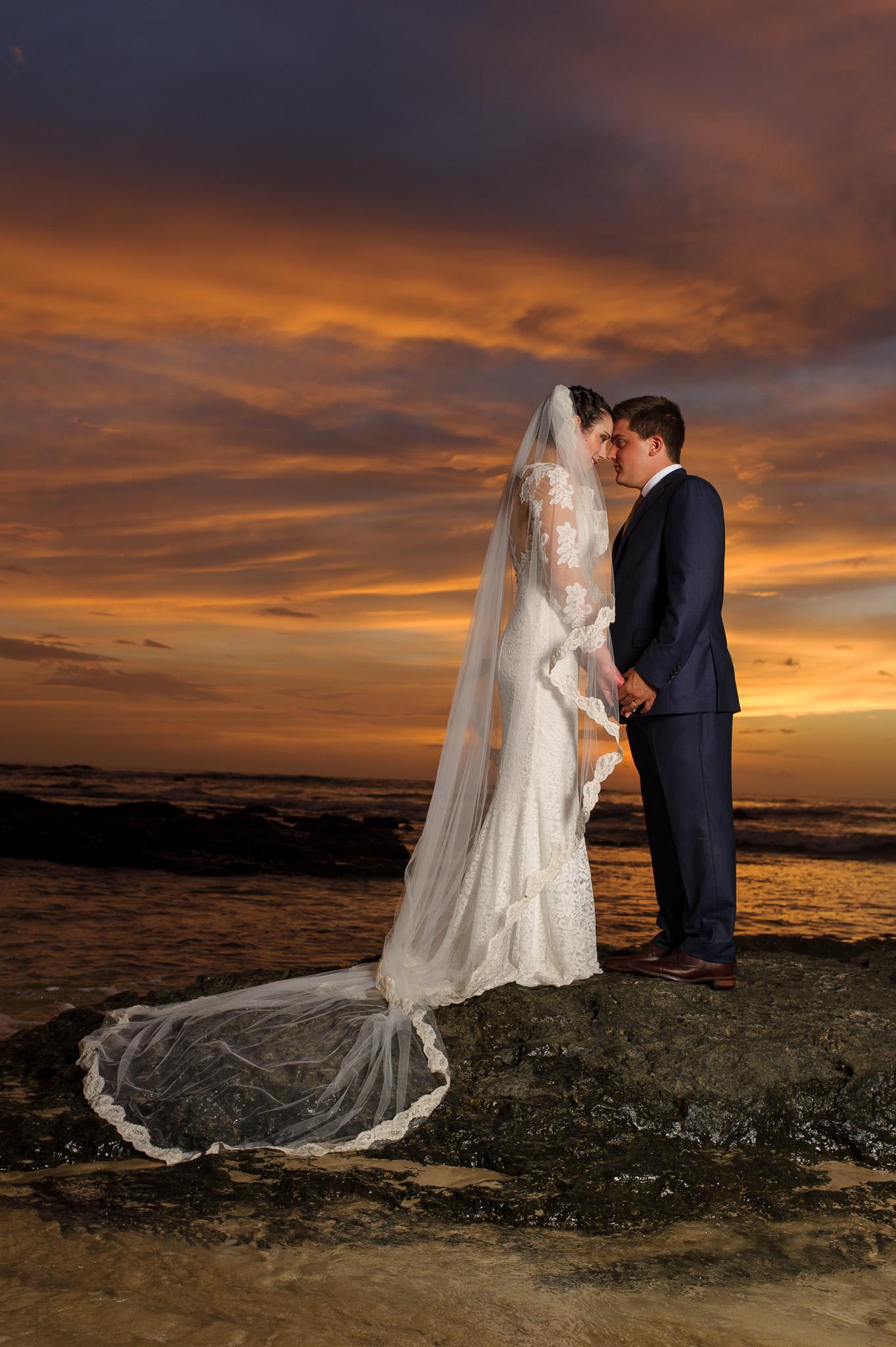 Costa Rica weddings Photos sunset
