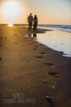 Plan a Costa Rica beach vow renewal