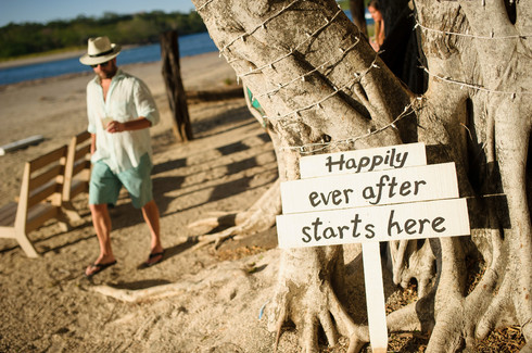 Happily ever after sign Pangas Costa Rica
